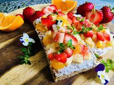 Crostini estivi (letné hrianky) - recept | Varecha.sk Bruschetta, Ale, Ethnic Recipes, Food, Meal, Eten, Ales, Meals