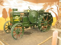 Heidrick Ag History Center: museum tractor photographs