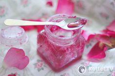Róża ucierana z cukrem