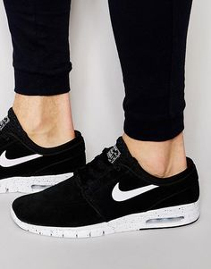 new style 4d9b5 4183c Nike SB Stefan Janoski Max Leather Trainers In Black 685299-002