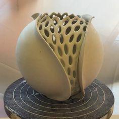 Pottery Sculpture, Sculpture Clay, Pottery Vase, Ceramic Pottery, Ceramic Art, Sculptures, Clay Wall Art, Clay Art, Organic Ceramics
