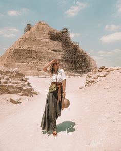 Egypt is one of the top travel destinations in Africa. It's home to the mysterious Pyramids of Giza, the famous Nile River, and incredible dive sites! Africa Destinations, Top Travel Destinations, Nile River Cruise, Places In Egypt, Estilo Hippy, Visit Egypt, Valley Of The Kings, Cruise Outfits, Egypt Travel