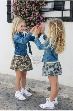 Wow check out these stylish kids clothes Toddler Fashion Check clothes kids Stylish stylishkidsclothes Wow Little Girl Outfits, Little Girl Fashion, Toddler Girl Outfits, Cute Little Girls, Cute Kids, Toddler Girls, Stylish Baby Clothes, Cool Kids Clothes, Stylish Kids