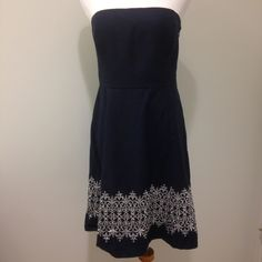 Ann Taylor Navy Strapless Dress. Petite sizing. Pre-loved in very good condition. The zipper sticks a bit but still works fine. No stains, rips, or other flaws. Runs a bit small to me. Petites size 12P. Ann Taylor Dresses
