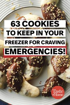 christmas cookies freezable Weihnachtspltzchen 63 Cookies to Keep in Your Freezer for Craving Emergencies Freezable Cookie Dough, Freezer Cookie Dough, Freezer Cookies, Freezer Desserts, No Bake Cookies, Cookie Desserts, Yummy Cookies, Delicious Cookie Recipes, Sweet Recipes