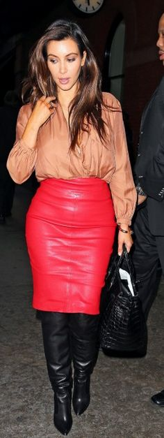 Kim Kardashian: Shoes – Jimmy Choo    Purse – Miu Miu    Sunglasses – Oliver Peoples    Jeans – Citizens Of Humanity