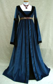 Travel Dress - Basia collector. Studio for historical fashion, gothic and fantasy. Renaissance Gallery. Pretty