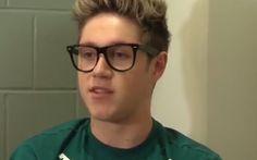 Niall loves green ^^)