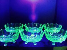 GREEN URANIUM GLASS -6 SUNDAE / ICE CREAM DISHES -GLOW!