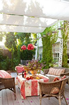 For a special evening, bring some décor outside and create a cozy space for you and a loved one. Though this patio isn't in Paris, with comfy seating, wine and appetizers, it is just as romantic. French Country Cottage, French Country Style, French Country Decorating, Cottage Style, French Farmhouse, French Decor, Farmhouse Table, Country Chic, Country Living