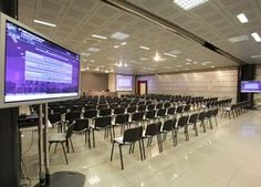 The Margherita Hall is a large multi-purpose facility divided into two elegant and communicating rooms measuring 900 and 1300 square metres