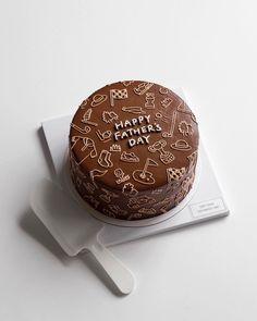 cake mix mug cake Pretty Birthday Cakes, Pretty Cakes, Cute Desserts, Dessert Recipes, Cake Recipes, Mini Cakes, Cupcake Cakes, Kreative Desserts, Simple Cake Designs