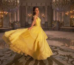 5 New Photos from Beauty and the Beast Show Emma Watson in Her Element as Belle