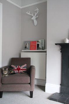 picture ledge over the radiator to hold magazines and books - Shelterness Room Makeover, Home, Family Room Design, Living Room Color, Living Room Paint, Living Room Grey, Room Paint, Home Decor, Room