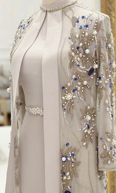 Where can I buy this outfit - Ultimative Kollektione .- Bu kıyafeti nerden al. - Where can I buy this outfit – Ultimative Kollektione …- Bu kıyafeti nerden alabilirim acaba – Ultimative Kollektionen von Kleidern Abaya Fashion, Muslim Fashion, Indian Fashion, Fashion Dresses, Pakistani Dress Design, Pakistani Dresses, Indian Dresses, Mode Abaya, Mode Hijab