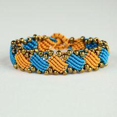 Macrame square wave bracelet tutorial
