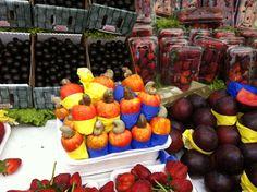 Cashew fruit at an outdoor market in Brazil.  www.bbreathtaking.com