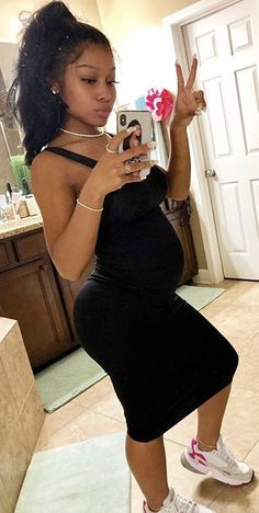 Pregnancy Tips - Pregnancy Cartoon Mothers - - Pregnancy Cartoon Humor Cute Maternity Outfits, Stylish Maternity, Maternity Pictures, Maternity Fashion, Pregnancy Goals, Pregnancy Outfits, Pregnancy Photos, Early Pregnancy, Pregnant Black Girl