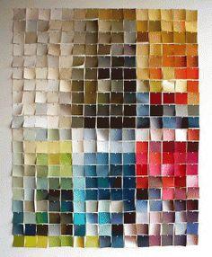 BUENO, BONITO…¡Y BARATO! Decorar toda una pared de manera original no tiene por qué resultar caro. Echa una ojeada a la propuesta de Apartment Therapy: usar las muestras de pintura que encontramos en las tiendas de decoración para crear nuestro propio mural. http://www.apartmenttherapy.com/use-paint-chips-156073