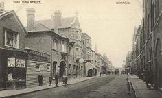 Coach & Bell High St Romford from an old postcard