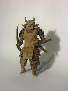 These amazing origami art pieces is proof that this art form can stand the test of time. If you didn't know, the art of folding paper ( Origami ) has been a Ancient Japanese Art, Japanese Cat, Japanese Paper, Japanese Culture, Origami Artist, Origami Paper Art, Samurai, Japanese Princess, Egyptian Kings