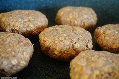 Recette de burger vegan haricots blancs avoine laitue pour un déjeuner fait maison déguster sur le pouce