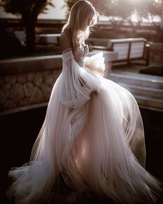 We are mesmerized by the glow of Galia Lahav gowns - Bruid mode - Bride Wedding Dress Sleeves, Dream Wedding Dresses, Boho Wedding, Bridal Dresses, Wedding Gowns, Prom Dresses, Ethereal Wedding Dress, Wedding Bride, Bouquet Wedding
