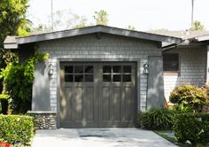 Exterior paint colors for house with porch garage doors 53 trendy ideas Wooden Garage Doors, Craftsman Bungalow Exterior, Craftsman Style Homes, Garage Style, Exterior Paint Colors For House, Apartments Exterior, Craftsman Exterior, Paint Colors For Home, Exterior Brick