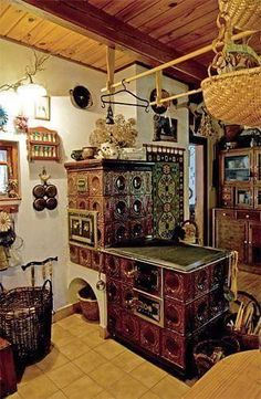 … Stove Oven, Kitchen Stove, Rustic Bunk Beds, Tyni House, Wood Stove Cooking, Small Fridges, Build Your House, Antique Stove, Vintage Stoves