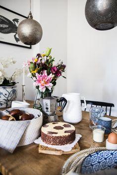 """Für Kuchenkult von Coppenrath & Wiese hat Nina von Pinspiration mit """"Auf ein Stück Kuchen bei"""" einen Einblick auf ihren Frühstückstisch gegeben - mit vielen Lieblingsprodukten von Urbanara"""