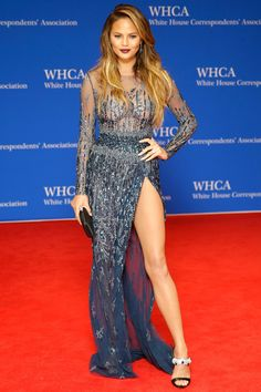 On Saturday hundreds attended the White House Correspondents' Dinner but only a few wow-ed on the red carpet. Description from sparklesandshoes.com. I searched for this on bing.com/images