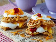 Glutenfrie vafler Something Sweet, Waffles, Food Photography, Gluten Free, Cooking Recipes, Favorite Recipes, Snacks, Breakfast, Desserts