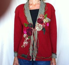 ...love the look!    Fabulous... no link to it anymore......but the grey is velvet... the roses are applique