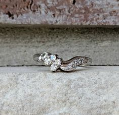 Antique Art Deco Curved Diamond Wedding Band Ring in White Gold Antique Art, Antique Jewelry, Vintage Jewelry, Antique Wedding Bands, Diamond Wedding Bands, Ring Guard, Diamond Clarity, Band Rings, Round Diamonds