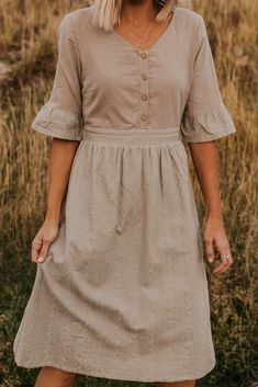 Stay simple and sweet in the Sky Button Dress. This beautiful sage colored dress has a button up bodice and a delicate embroidered skirt. Making A Wedding Dress, Cheap Wedding Dress, 70s Wedding Dress, Modest Fashion, Fashion Dresses, Midi Dresses, Apostolic Fashion, Midi Skirts, Modest Clothing