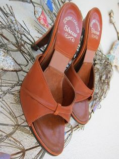 70s Caramel Nutmeg Leather Shoes  Vintage Slides Mules Disco Heels Springolator Style