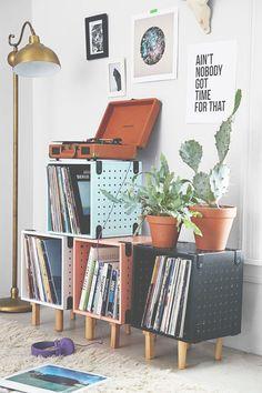decoration, detail vinil, vinyl , shelf. frame, light, quadro, luz, albuns…