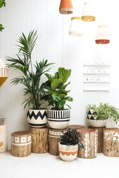 Trendy decoration for back to school: 44 ideas for its interior decor - DIY Decor Ideas Pop And Scott, Diy Casa, Farmhouse Side Table, Farmhouse Style, Cute Dorm Rooms, Home And Deco, Plant Decor, Cheap Home Decor, Diy Home Decor On A Budget Easy
