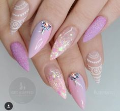 38 Classy Acrylic Stiletto Nails Designs for Summer 2019 Are you looking for acrylic stiletto nails art designs that are excellent for this summer? See our collection full of acrylic stiletto nails art designs ideas and get inspired! Gorgeous Nails, Love Nails, Fun Nails, Pretty Nails, Stiletto Nail Art, Acrylic Nails, Nagel Gel, Spring Nails, Autumn Nails