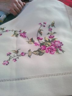 Facebook Hardanger Embroidery, Rose Embroidery, Cross Stitch Embroidery, Embroidery Patterns, Cross Stitch Patterns, Bargello, Cross Stitch Flowers, Holidays And Events, Handicraft