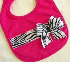 How adorable. Would be a great homemade gift for a baby shower!