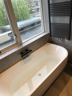 Wiesbaden half vrijstaand bad 180x80 www.waterlandsanitair.nl