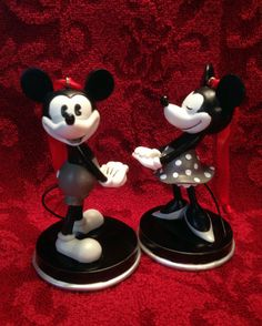 NIB Disney Mickey Minnie Mouse Anniversary Edition 1928 Christmas Ornament Set