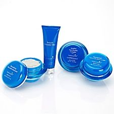 Hydroxatone reviews say that almost 100 percent users agree that they feel and look younger after using this cream for some time. About four to six weeks of regular usage of Hydroxatone's products delivers incredible results on aging skin.