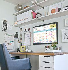 Un escritorio bonito y bien organizado hará las delicias de todos los amantes de la planificación. A nosotros este tipo de escritorios nos encantan!   Planifícate y recuerda que la mejor manera de predecir el futuro es crearlo.  #CreaTuFuturo #Planificate #Missplan