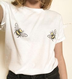 Affiliate product of Educated Earthling: Let's raise awareness for our declining bee population with our trendy BooBee Tee! If the bees die, we die so we need to protect them! Cute Shirts, Diy Clothes, Cute Outfits, Funky Outfits, Shirt Designs, Unisex, T Shirts For Women, Couture, Long Sleeve Shirts