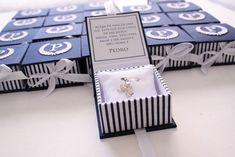 Lembrancinha Maternidade Sofisticada para chegada do Pedro : Caixa azul marinho e branco com bordado na tampa e medalha de anjo dentro. | Flickr - Photo Sharing!