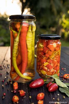 Baroque Decor, Ketchup, Pickles, Cucumber, Recipies, Sweet Home, Backyard, Stuffed Peppers, Canning