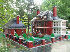 This is a representation in Lego of a Georgian mansion, one of the more popular architectural styles found in the upscale east-side Detroit neighborhood of Indian Village. Back yard view showing the garage/carriage house on the left.