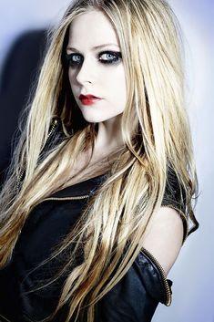Avril Lavigne, and Jennifer Lawrence Naked Pictures Round up Pop Punk Bands, Emo Bands, Avril Levigne, Punk Makeup, Looks Dark, Punk Princess, Princesa Disney, New Poster, Band Posters
